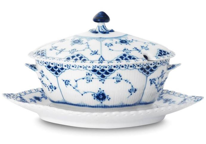 Royal Copenhagen BLUE FLUTED FULL LACE GRAVY BOAT WITH STAND