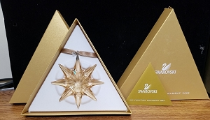 Swarovski SCS 2009 Christmas Star Ornament Gold