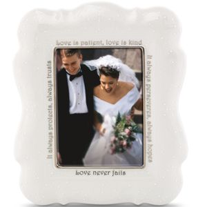 Lenox  OPAL INNOCENCE FRAME 5X7 LOVE IS 11.25 h