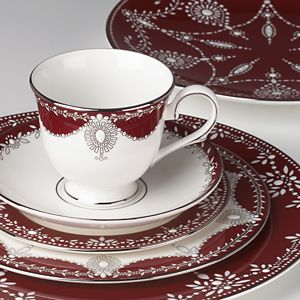 Marchesa EMPIRE PEARL WINE DW 5 PC PLACE SETTING