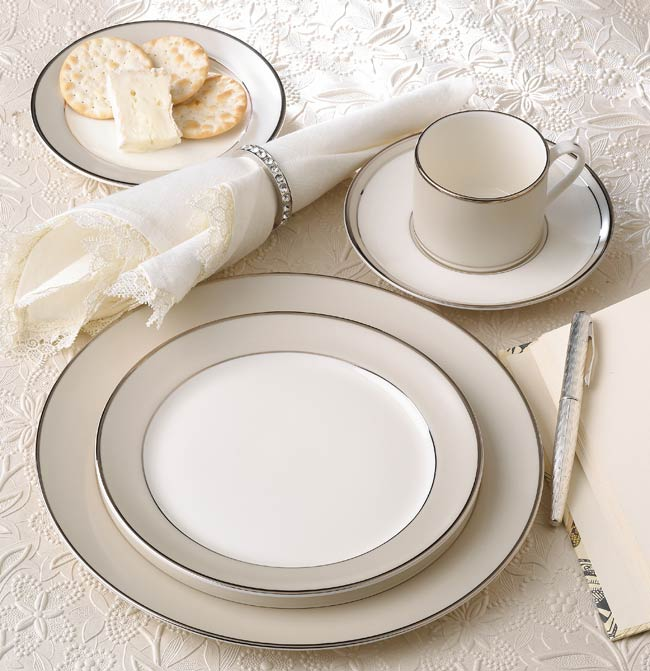 Pickard Solstice White Platinum 5 Piece Place Setting-Vision Cup