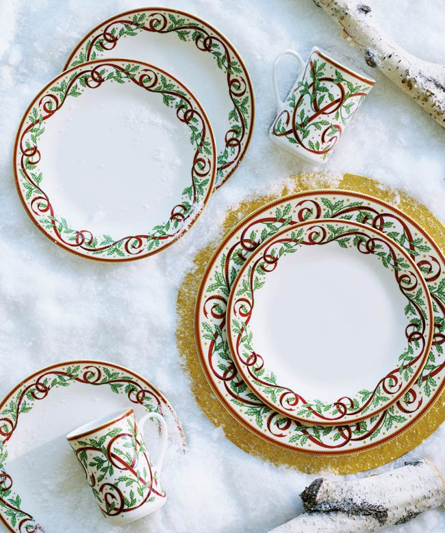 Pickard Winter Festival White 5 Piece Place Setting