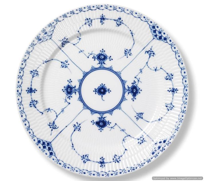 Royal Copenhagen BLUE FLUTED HALF LACE LUNCHEON PLATE 9.75