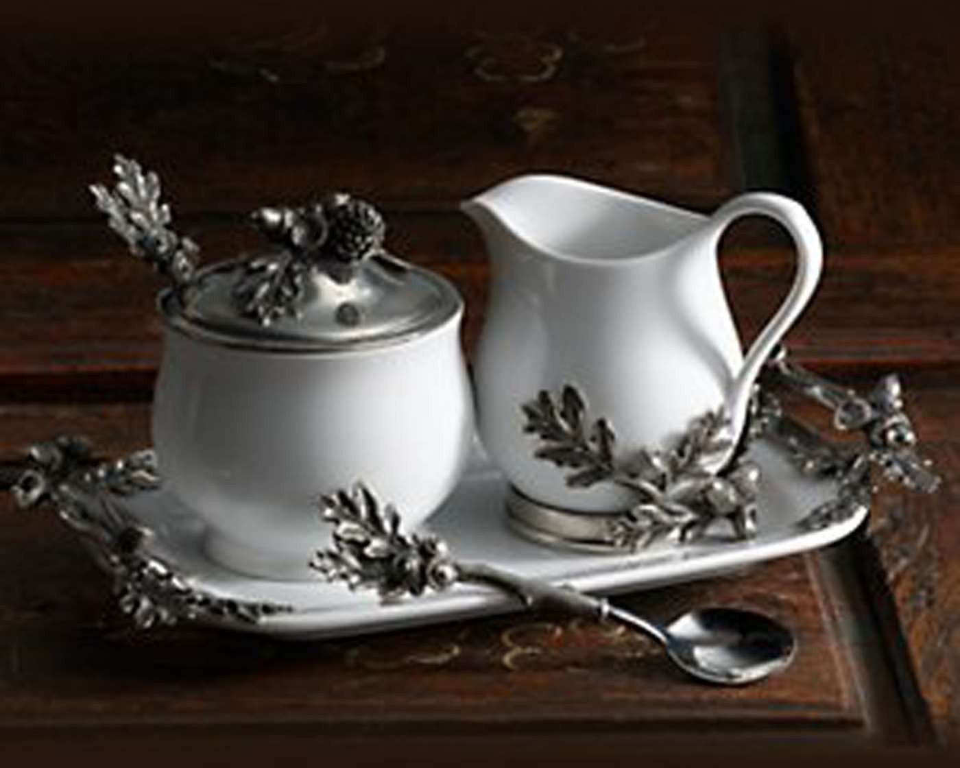 Vagabond House Creamer Set - Acorn Oak Leaf