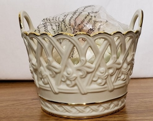 Classic Lenox Basket With Sachet